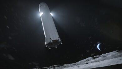Nasa chooses spacex